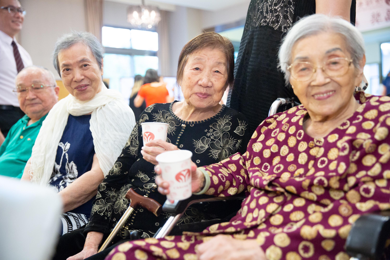 圖4 長輩也到場為自己的機構團隊集氣,希望團隊能奪得「照護金福獎」之殊榮!